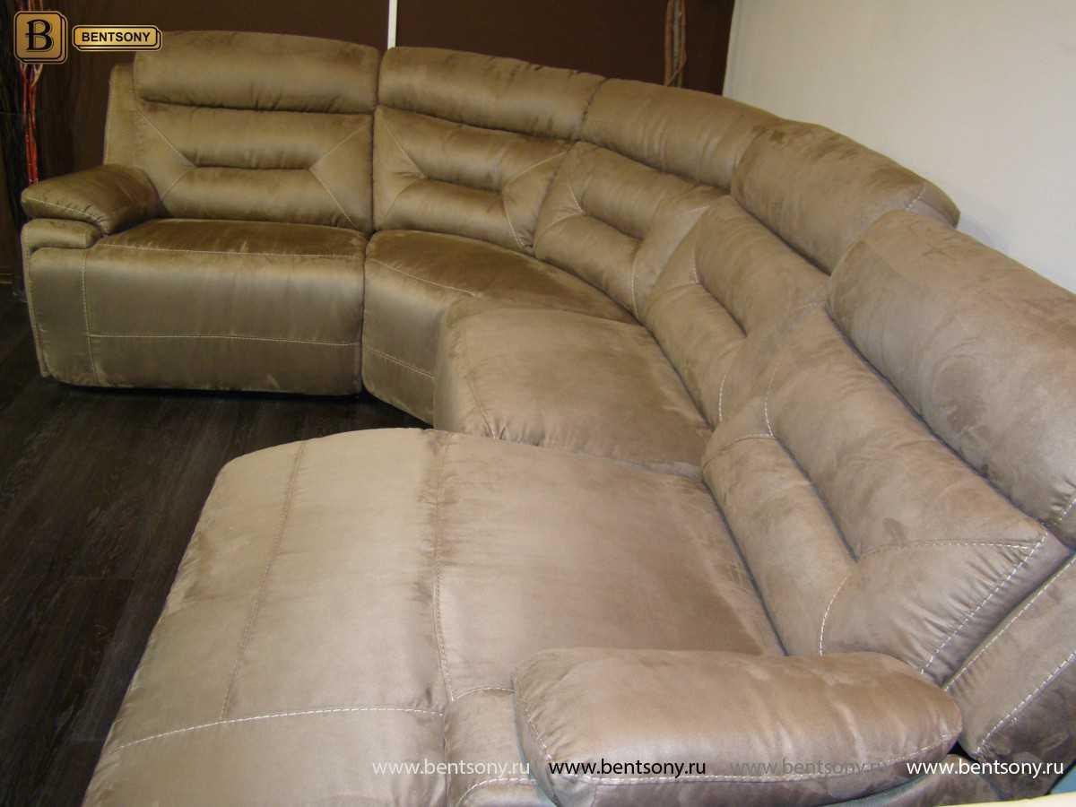 угловой диван алькантара в гостиной фото
