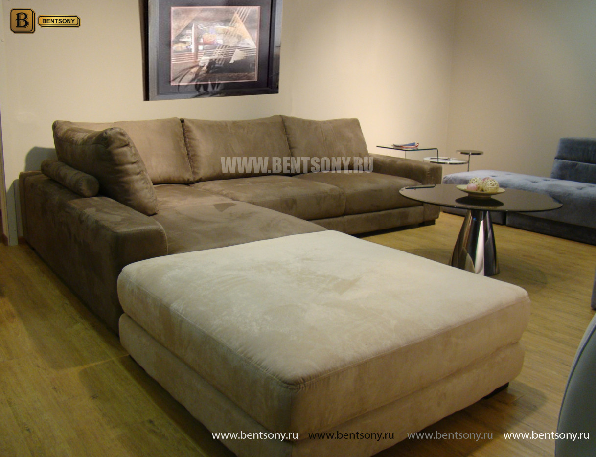 светлый диван Луиджи в гостинную