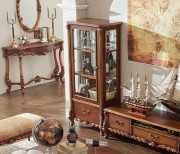 Витрина Лоренс высокая для предметов декора (Классика, массив дерева)