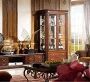 Витрина 2-х дверная Крофорд (Классика, массив дерева)