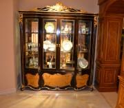 Витрина 4-х дверная Конкорд (Массив дерева, классика) для квартиры