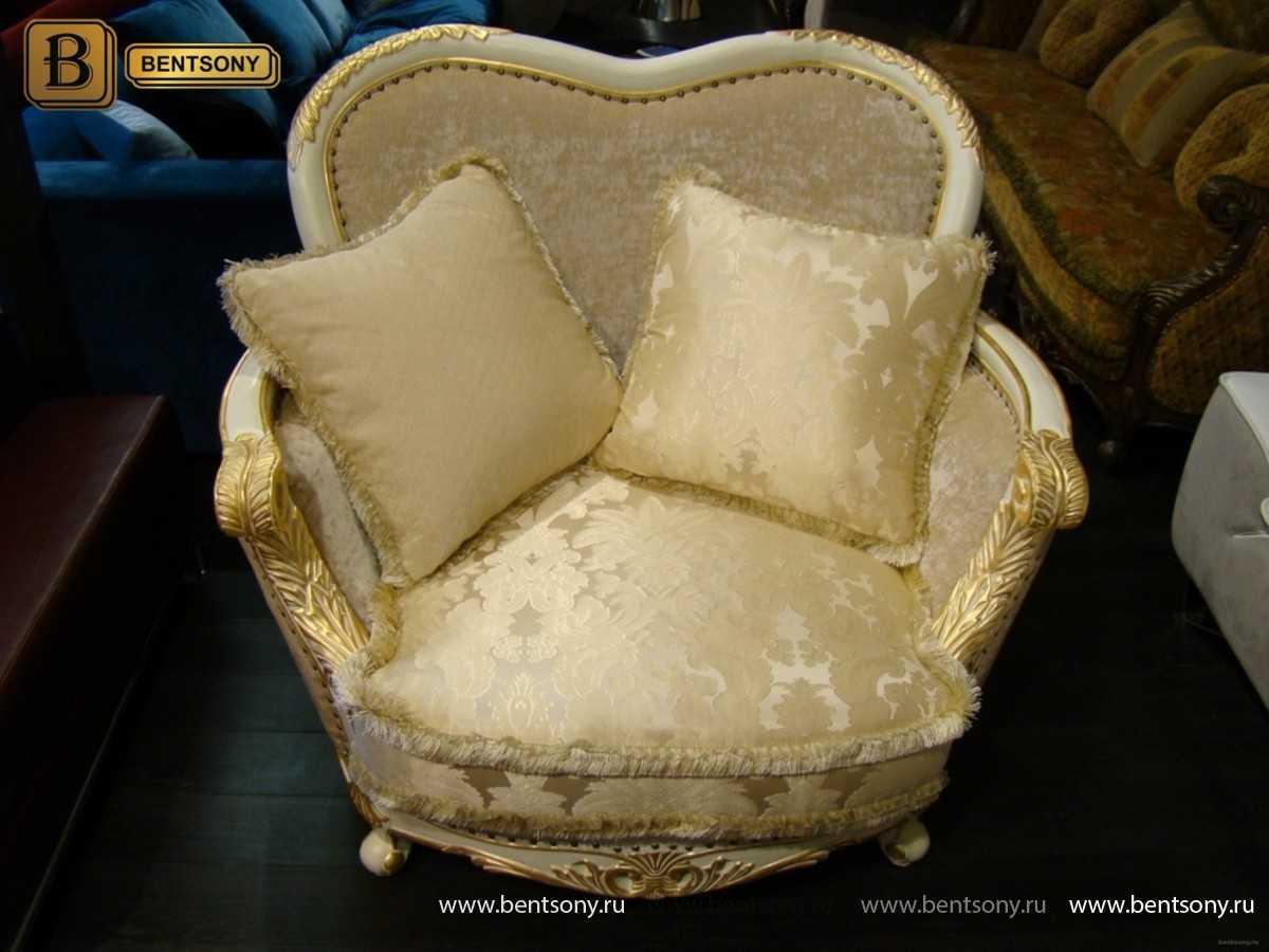 Фото Уютное тканевое классическое кресло Амадео