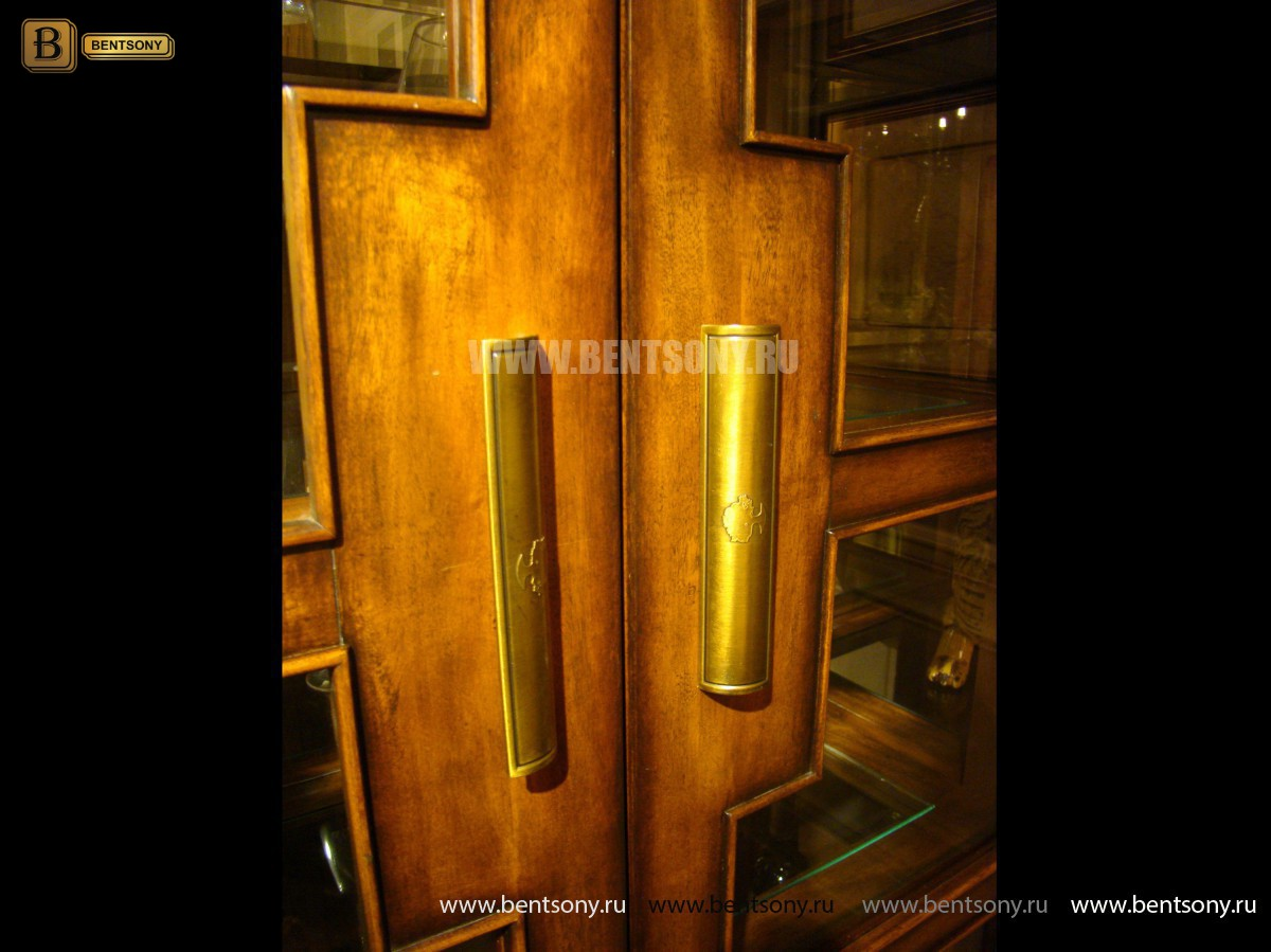 Витрина 4-х дверная Фримонт (Массив дерева, классика) в интерьере