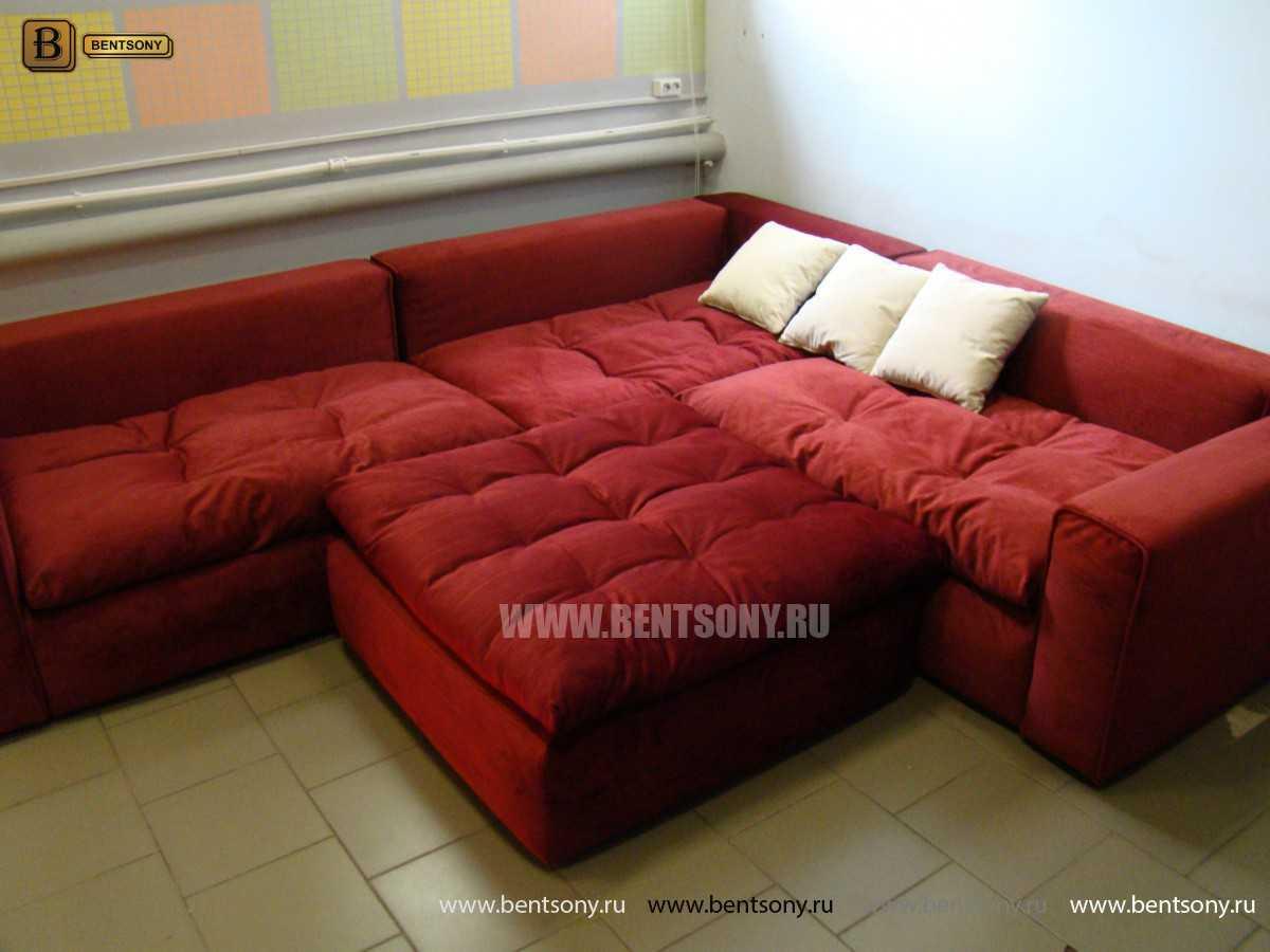 Красный диван Бениамино с подушками и пуфом