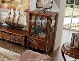 Широкая Витрина Лоренс для предметов декора (Классика, массив дерева) распродажа